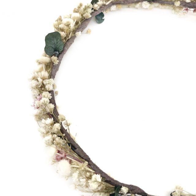 Corona de Flores con Lazo Paniculata Blanca y Rosa