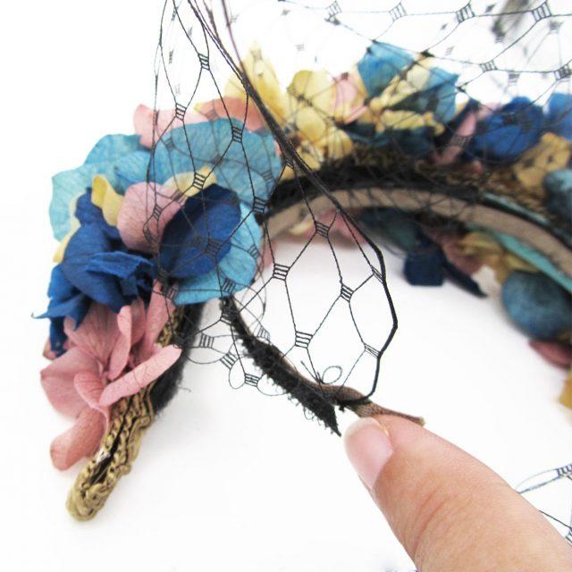 Diadema de Flores Tonos Pastel con Velo