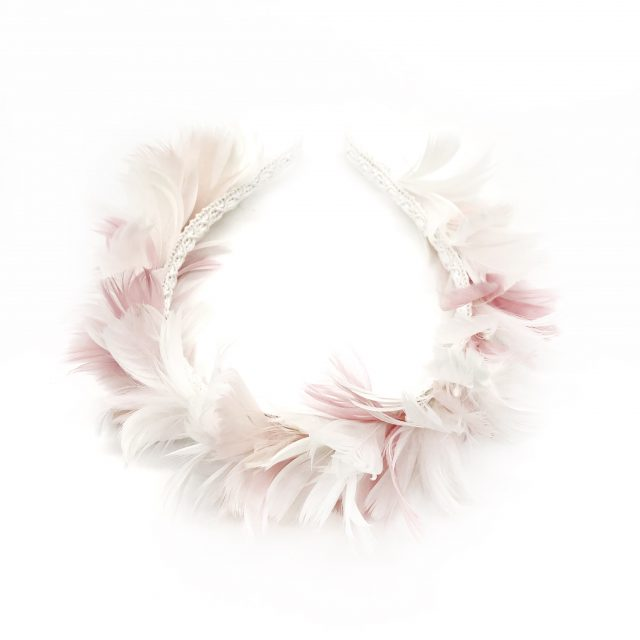 Diadema de Plumas Blancas y Rosas
